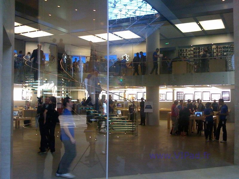 L 39 Ipad L 39 Apple Store Du Carrousel Du Louvre Paris En