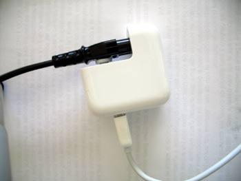 le chargeur de l 39 ipad peut il tre utilis avec l 39 iphone et solution rapide chargeur ipad us. Black Bedroom Furniture Sets. Home Design Ideas