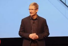 tim-cook-apple-ipad-iphone.jpg
