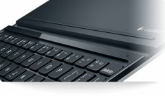 logitech-ultrathin-keyboard-cover-for-ipad-5th-generation.jpg